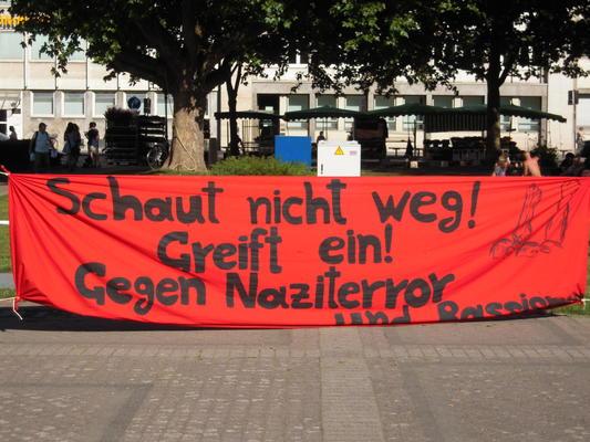 """Transparent der Kundgebung gegen """"Widerstand Karlsruhe"""" - Quelle: RDL/mc"""