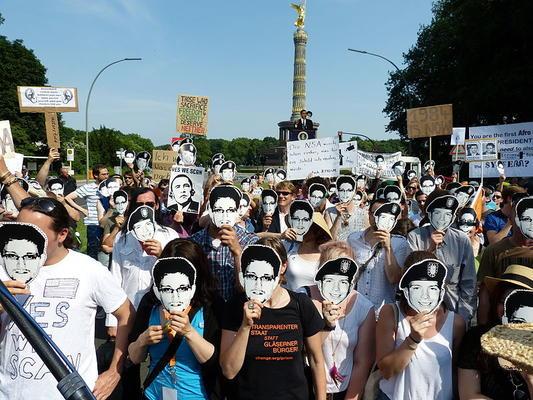 PRISM-Demo der Piratenpartei zum Besuch des amerikanischen Präsidenten Barack Obama. Quelle: Mike Herbst