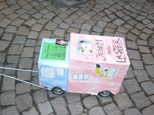 Demo gegen Wagenklau und Hetze - für meeehr Wagenplätze!