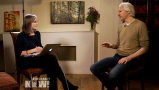 Amy Goodman im Gespräch mit Julian Assange