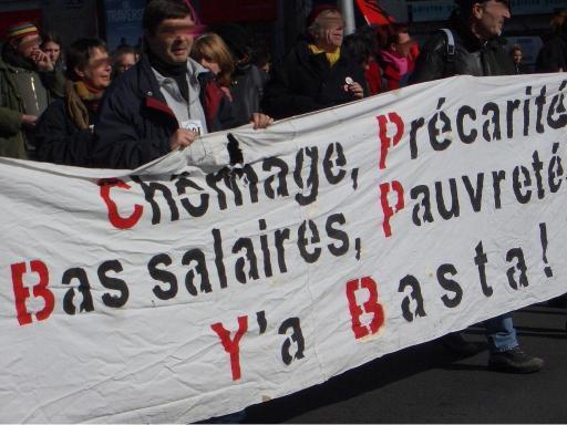 Arbeitslosigkeit, Prekarität, niedrige Löhne, Armut - Es reicht! Demo in Nantes, 2004