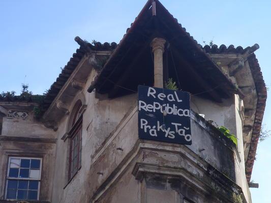 Das 500-Jahre alte Haus der Republica Pra-kys-tão steht derzeit zum Verkauf