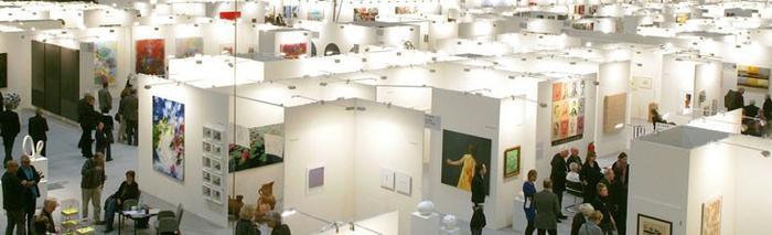 Halle der Kunstmesse art Karlsruhe