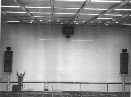 Einen Kinosaal macht mehr aus als eine Leinwand und ein paar Lautsprecher...