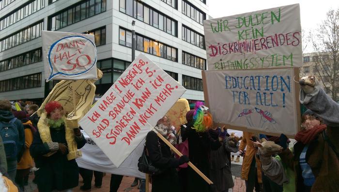 Demonstrierende gegen Studiengebühren