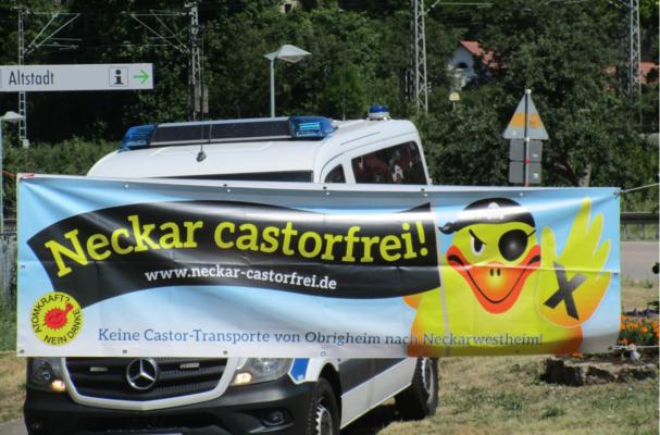 Proteste gegen Castor-Transport auf dem Neckar