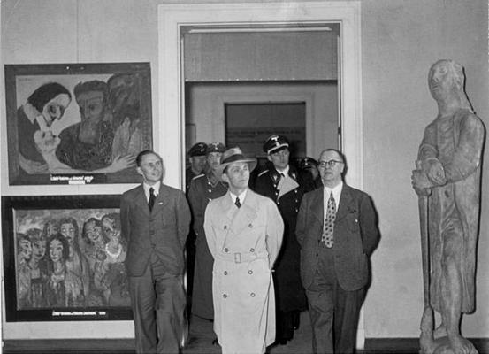 """Ausstellung """"Entartete Kunst""""."""