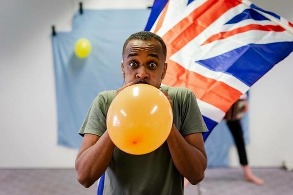 Union Jack und Ballon voller Hoffnungen