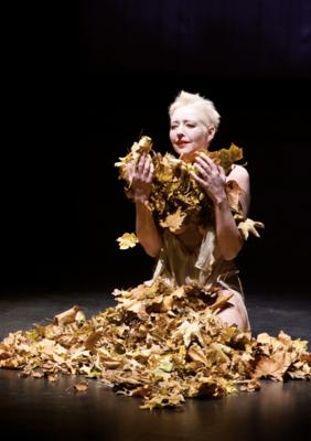 Butoh Performance Marion Steinfellner Goldlaub