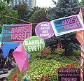 Banner im Gezi-Park während der Proteste
