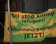 Mahnwache gegen Sammelabschiebung am Freiburger Flüchtlingswohnheim Hammerschmiedstraße