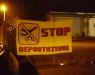 Ältere Mahnwache gegen Sammelabschiebung am Freiburger Flüchtlingswohnheim Mooswaldallee