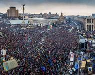 Majdan - Kiewer Platz der Unabhängigkeit und sein einserner Weinnachtsbaum
