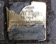 Zerstörter Stolperstein in der ungarischen Hauptstadt Budapest
