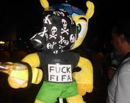 Das FIFA.Maskottchen wechselt die Seiten