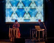 Foto von Pari San - einem Electro-Pop Duo der Sonderklasse