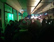 Spontane Anti-Abschiebedemo stürmt in Neujahrsempfang der Freiburger Grünen