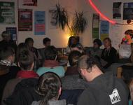Erzählcafé im Strandcafé zur lokalen feministischen Bewegungsgeschichte
