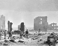 """""""Stadtzentrum von Stalingrad nach der Befreiung"""". Das Zentrum von Stalingrad nach der Befreiung von der deutschen Besatzung"""