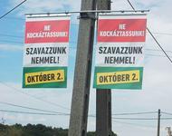 Plakat zum ungarischen Referendum über die EU-Flüchtlingsquote
