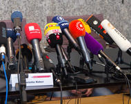 © Raimond Spekking / CC BY-SA 4.0 Pressekonferenz Rathaus Köln