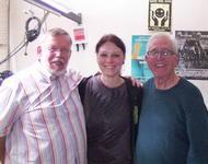 Gast Hans-Dieter Straup der SPDqueer zusammen mit den beiden Moderatoren Sonja und Roland