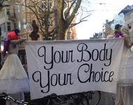 Kreativer Protest gegen die Piusbrüder