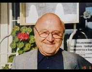 Dr. Hanno König