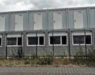 Übereinandergestapelte Wohncontainer