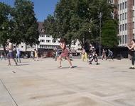 Lindy Hop Tänzer*innen auf dem Platz der alten Synagoge