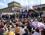 Aktivist*innen blockieren die IAA auf dem Odeonsplatz in München