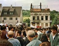 gemeinsame Demonstration von Deutschen und Türken am Tatort des Brandanschlages von Solingen (29.Mai 1993, Untere Wernerstraße)
