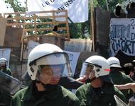 Polizei vor Rhino am 01.08.11. Foto: RDL
